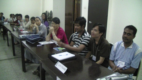 Graduate Students Communication Excellence Course with TalkShop