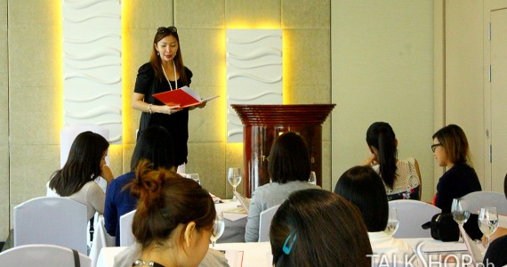 Speech Training And Power Presentation For Analysts And HR Advisors
